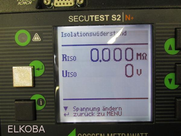 Defekter Staubsauger mit Kurzschluss, Bild von Messgerät Isolationswiderstand September 2014