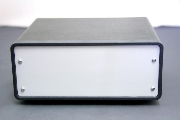 Gerätegehäuse Metall mit grünem Oberteil 200x175x80mm