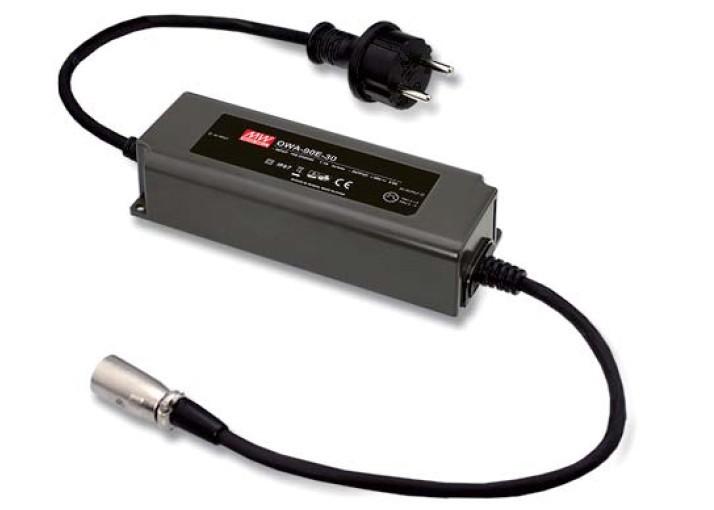 24V 90W LED-Netzteil schwarz mit XLR-Stecker NC4MX 4pol 3,75A IP67