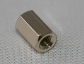 100 x Distanzbolzen Messing vernickelt M3 2xInnen 5mm Schlüssel 5,5mm